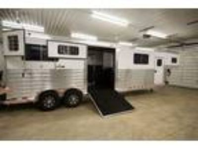2020 4 Star Larger warmblood stalls, Quiet Ride Loaded! 4 horses