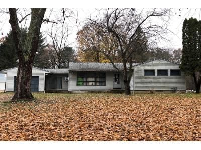 3 Bed 1.0 Bath Preforeclosure Property in Akron, OH 44319 - N Messner Rd