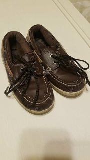 Brown boat shoes sz 10