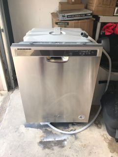 *BRAND NEW* Whirlpool Dishwasher