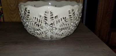 Snowflake bowl/candle holder- New