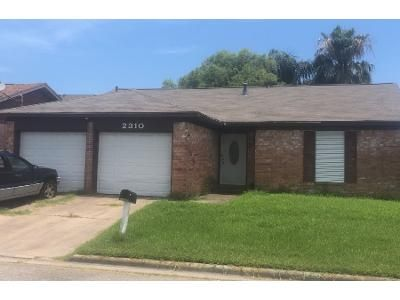 2 Bath Preforeclosure Property in Galveston, TX 77551 - 72nd St
