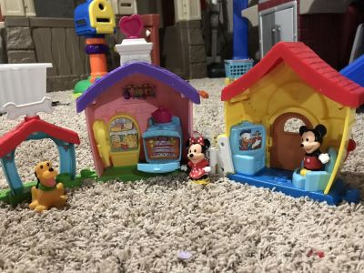 Mickey, Minnie and Pluto Little People set