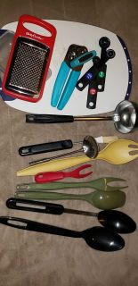 Lot kitchen supplies - great for first house/apt