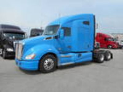 Used 2014 Kenworth T680 for sale.