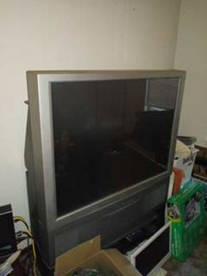 Hitachi TV with stand