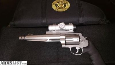 For Sale/Trade: Smith and Wesson 500 Performance Center 500 Revolver with key, case, ammo, and scope