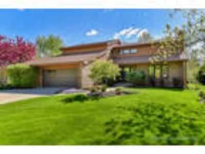 Downers%20Grove Four BR One BA, 5933 Hillcrest Court Downers Grove