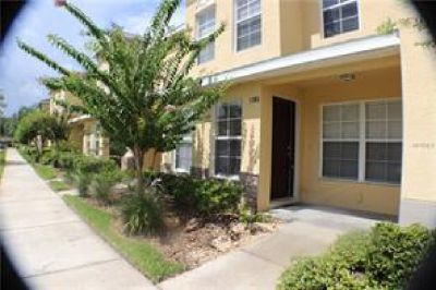 COMPLEX FEATURES POOL AND PARKING THIS NEAR SHOPPING 2/2 TOWNHOME