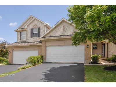 2 Bed 2 Bath Foreclosure Property in Yorkville, IL 60560 - St Josephs Way 175