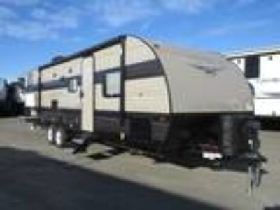 2019 Forest River Wildwood X-Lite 273QBXL Rear Bunks/ Two Entry Doors/ U Shaped