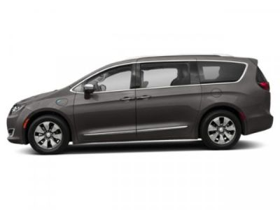 2019 Chrysler Pacifica Hybrid Limited (Granite Crystal Metallic Clearcoat)