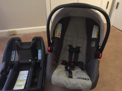 Graco Click Connect Snugride 30 Car seat