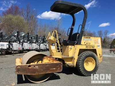 Bomag BW124 D-2 Vibratory Single Drum Compactor