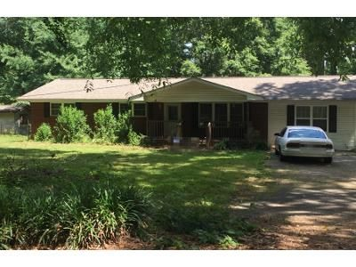 4 Bed 2 Bath Preforeclosure Property in Calhoun, GA 30701 - David Lake Rd NW