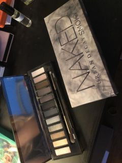 Authentic Naked smoked palette.