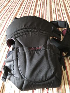 Mother nest baby carrier as new