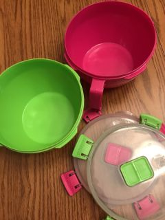 Sistema bpa approved microwave bowl with lids in excellent condition