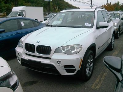 2012 BMW X5 xDrive35i (Alpine White)