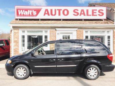2007 Chrysler Town & Country Touring (Brilliant Black Crystal Prl)