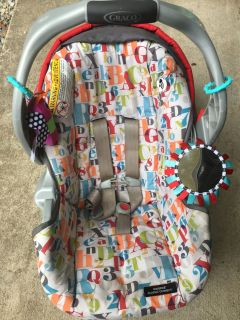 Graco Infant Carrier With SNUGRIDE Classic Connect $15