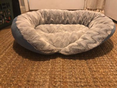 Small-medium size dog bed