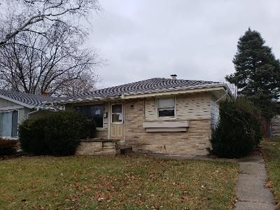 3 Bed 2 Bath Foreclosure Property in Milwaukee, WI 53218 - N 80th St