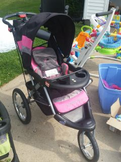 STROLLER-JOGGING-BABY TREND-EXPEDITION CLX-W/ MO PLUS IN FOR IPAD & IPHONES