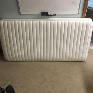 Excellent condition twin mattress