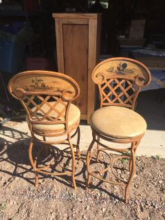 2 metal country design kitchen/bar stools