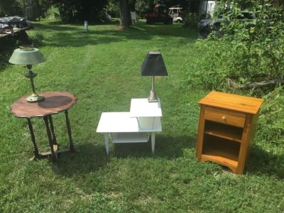 Moving in? 3 Tables 2 Lamps (bundle)