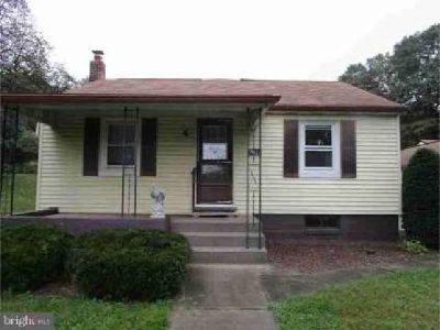 3811 Oak St Temple Three BR, Great starter home!