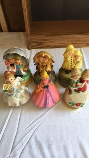 Lot of 6 Musical Figurines
