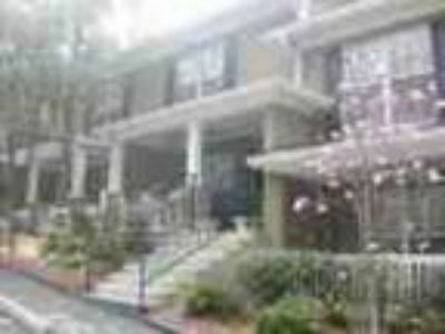 Two BR Townhouse W Community Amenities