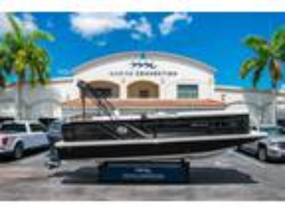 Hurricane - FunDeck FD 236SB for sale