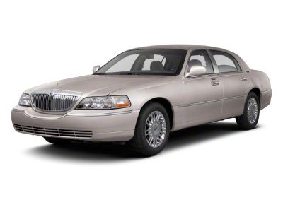 2010 Lincoln Town Car Signature Limited (Vibrant White)