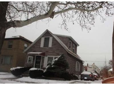 3 Bed 2 Bath Foreclosure Property in Chicago, IL 60649 - S Chappel Ave