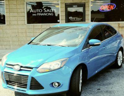 2012 Ford Focus Titanium (Blue)