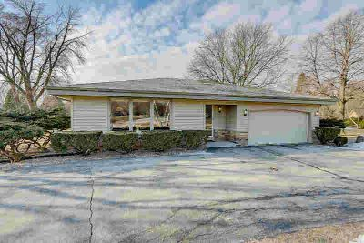 W125s7127 Chicory CT Muskego Three BR, WONDERFUL UPDATED RANCH