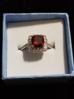 Brand new ring size 6,7,8 no holds
