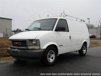 2002 GMC Safari SL (White)