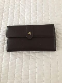 Angier checkbook wallet