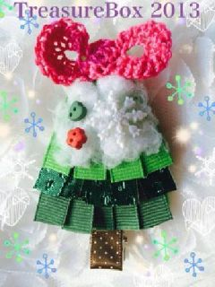 $5 Handmade Christmas Tree With Snow Hair Clip/made in USA