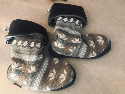 The Original Muk Luks Slippers Super Great Condition Women s Size Large 8-9 $10.00
