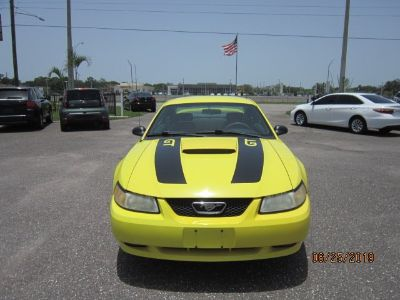 2000 Ford Mustang GT (Yellow)