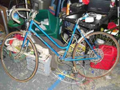 $50 Vintage ladies road bike , Azuki , needs tires and tune up .