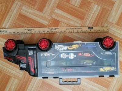Hot wheels carrying case