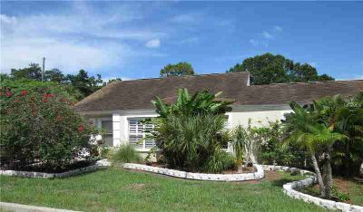 5143 27th Avenue S Gulfport, One of a kind duplex located in