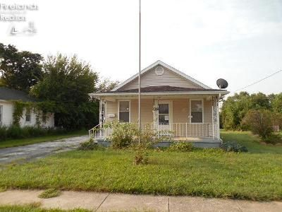 2 Bed 1 Bath Foreclosure Property in Clyde, OH 43410 - Ames St