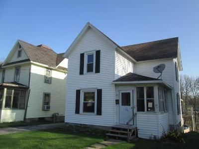 3 Bed 1 Bath Foreclosure Property in Perry, NY 14530 - Needham St